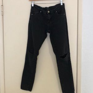 Forever21 ripped knee jeans